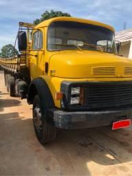 Caminhão 1316 Mercedes-Benz carroceria truck 6x2