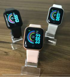 Relógio D20 disponível nas cores branco e rosa