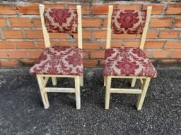 PROMOÇÃO; 2 cadeiras usadas de madeira