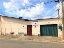 Aluga-se Casa Rua 228, Setor Coimbra, 3 quartos, 1 suíte