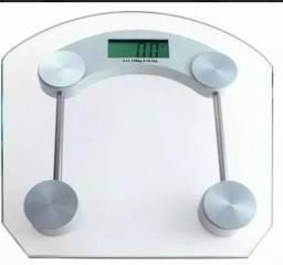 Balança digital vidro temperado 180 kg. Uso ideal em academias, clínicas, consultórios
