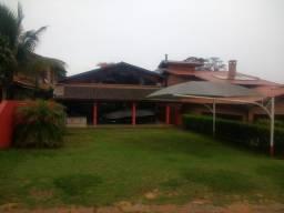 Aluga-se casa na represa de Avaré-itai