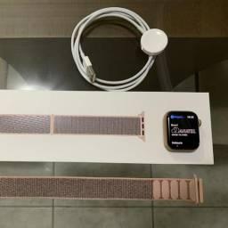 Apple Watch Séries 4 - 40 mm
