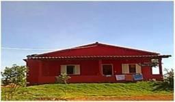 Sitio de 30.000 m2 , localizado às margens da represa de Três Marias em Felixlândia/MG