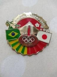 Vendo pins das olimpíadas