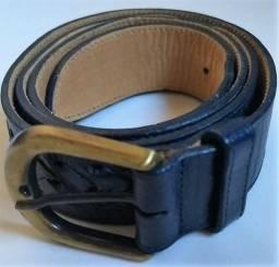 Cinto Couro Nobre Semi- Novo | Azul Escuro | Marca Datelli | Tamanho 85 cm