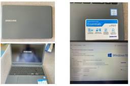 Notebook Samsung Essentials E30