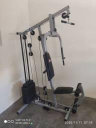 Estação de musculação  baixei pra vender rápido de 1.700,00 por 1.300,00