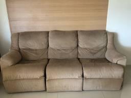 Sofa retratil e reclinável muito confortável
