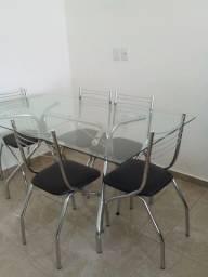Título do anúncio: Mesa c/ 6 cadeiras R$ 600,00