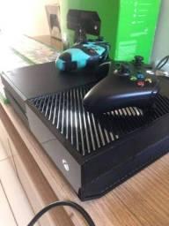 Xbox One Fat bem conservado funcionando perfeitamente em Caruaru e região..