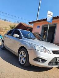 Ford Focus , 2013 completo , automático, bancos de couro , som com manual proprietário!