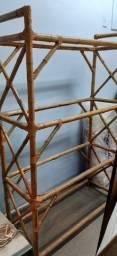 Estante de bambu