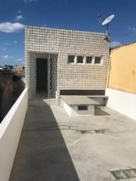 Alugo apartamento 1° andar, bairro josé pinheiro, 2 quartos, ponto de ônibus na frente