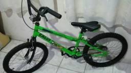 Bicicleta aro 20 caloi bem 10 estado de nova!!!
