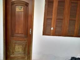 Alugo aoto 2 dormitórios c box, sem condiminio, rua machadi de assis, partenon. 99941-8545