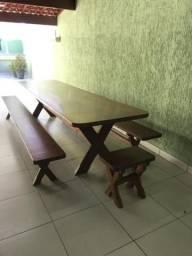 Mesa de madeira para quintal