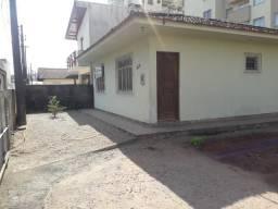 Oportunidade em Areias/SJ - Casa com amplo terreno ao lado da Rua São Pedro