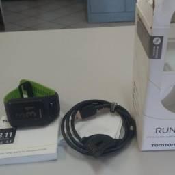 Vendo relógio Tomtom Runner 3, pouquíssimo uso, acompanha caixa, manual e carregador 550$