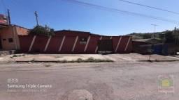 Casa com 3 dormitórios para alugar por R$ 900/mês - Jardim das Oliveiras - Anápolis/GO