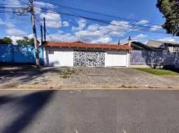 Casa com 3 dormitórios para alugar, 300 m² por R$ 2.000,00/mês - Rebouças - Curitiba/PR