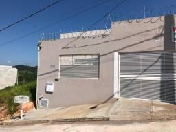 Casa no bairro Dona Zeli em Nova Serrana.