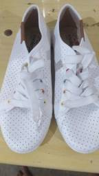 Vendo sapato branco novo tamanho 36