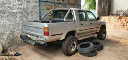 Camionete Hilux 4X4 - 2002