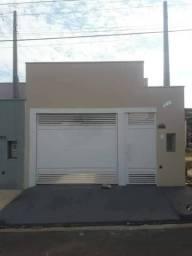 Casa Nova de meio lote Quadrado Minha Casa Minha Vida Com garagem coberta com laje