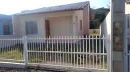 Casa reformada, 60 m2, amplo quintal