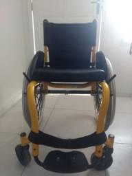 Vendo uma cadeira de toda smart toda em alumínio moro em cg