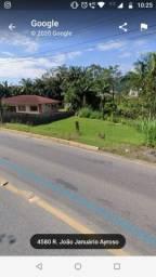 Terreno de 700 m² no bairro Jaraguá esquerdo, valor 200.000,00