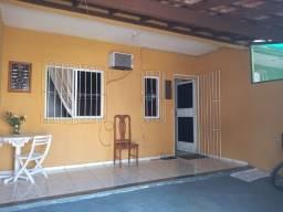 Casa linear com 01 quarto independente com garagem Bairro Operário