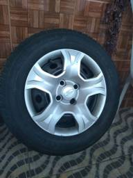 Vendo ou troca pneu 205/65/16