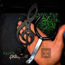 Suporte de Parede para Instrumentos - Com Clave Preta (Produto Novo)
