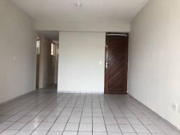 Vendo apartamento amplo com 100m2 na principal dos bancários