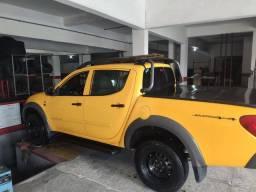 L200 Triton Savana 2013 revisada com pneus novos