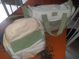 Título do anúncio: Vendo conjunto  de bolsas da natura