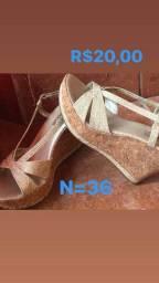 Vendo uma sandália Anabela  n°36 me chamar no inbox