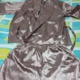 Dê um de presente para o seu amor um conjunto pijama e robe de seda tam.M, R$80,00