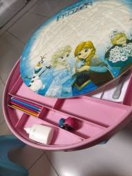 Título do anúncio: Mesa infantil Frozen para estudo e laser com porta objetos
