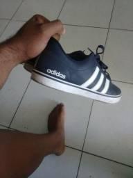 Tênis Adidas original poucas vezes usado com nota