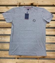Camisa Tommy Hilfiger e Diesel