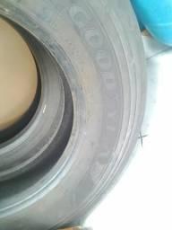 02 pneus 275/80/22.5