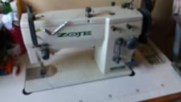 Excelente máquina de costura