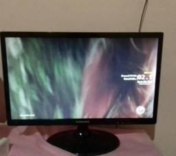 Tv/Monitor 22' polegadas com conversor digital