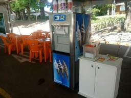 Vendo ou troco , máquina de sorvete expresso