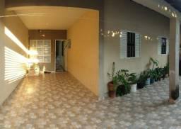 Casa com 3 quartos , garagem coberta , ok para financiar !!