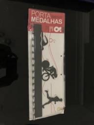 Porta medalhas para Triathlon