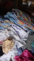 Vende-se roupas do candomblé